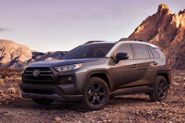 Toyota hijst nieuwe RAV4 in TRD-jas
