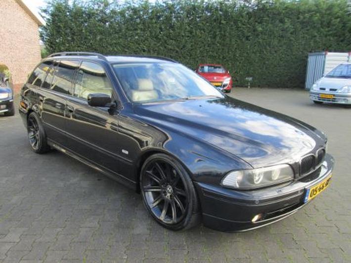 BMW 540i touring Executive (2000)
