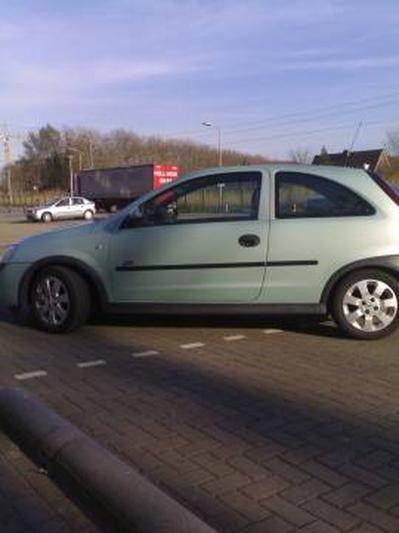 Opel Corsa 1.7 DTi-16V Sport (2001)