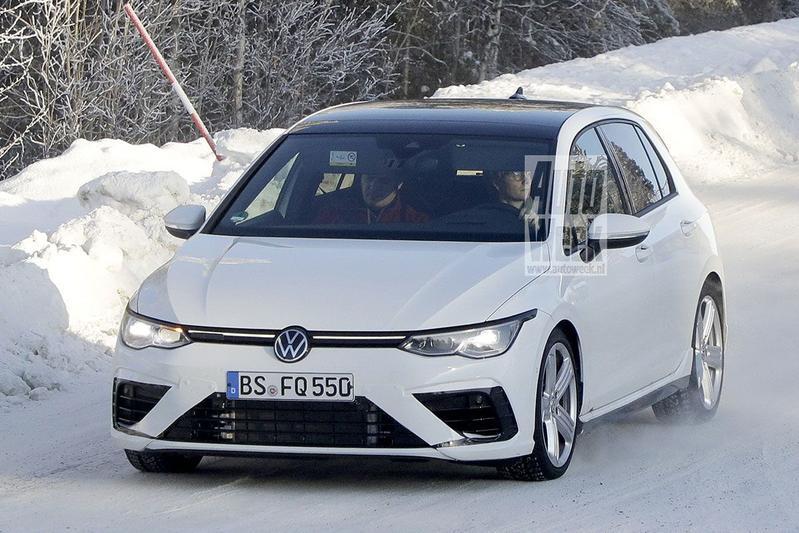 Spyshots Volkswagen Golf R