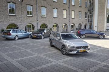 Vier generaties Volvo compacte stationwagens - Reportage