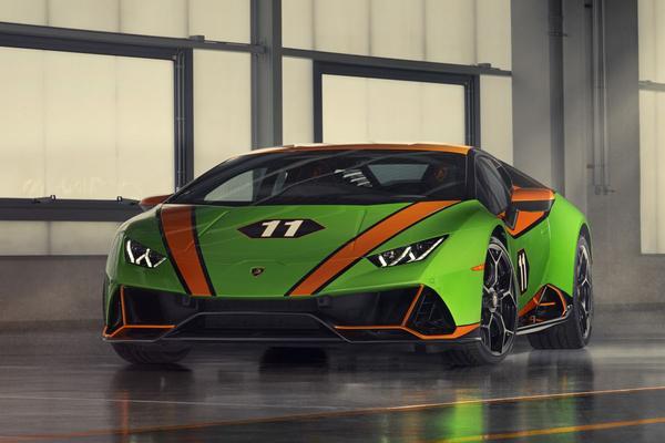 Lamborghini viert dubbel feest in Monterey