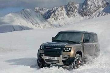 Land Rover Defender druppelt het net op