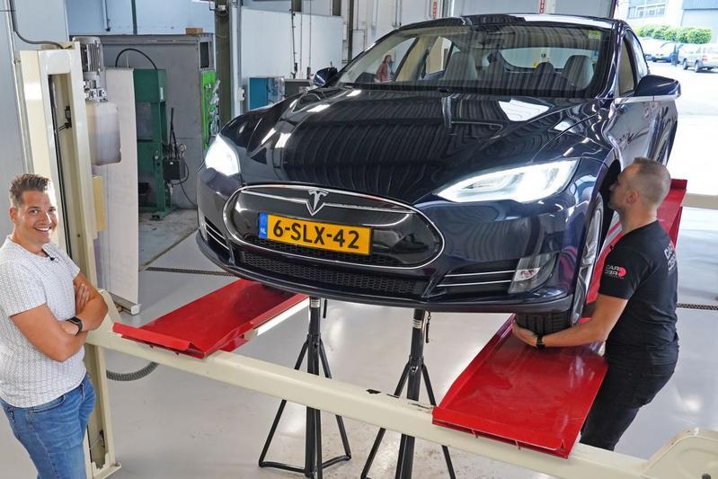 Tesla Model S 85 Performance – 2013 – 346.756 km - Klokje Rond