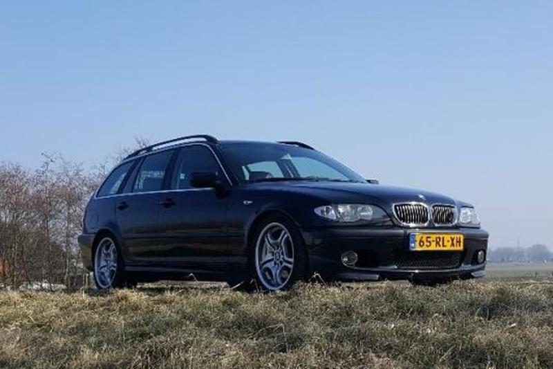 BMW 320i touring Executive (2002)