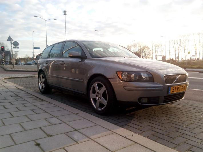 Volvo V50 1.6D Momentum (2005)