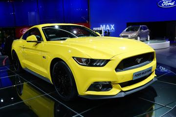 Europese Ford Mustang in Parijs