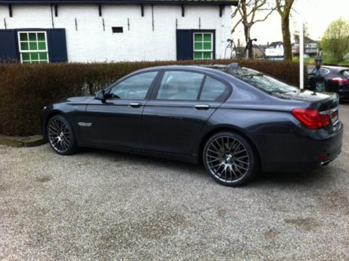 BMW 750i High Executive (2008)