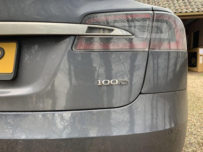 Tesla Model S 100D (2018)