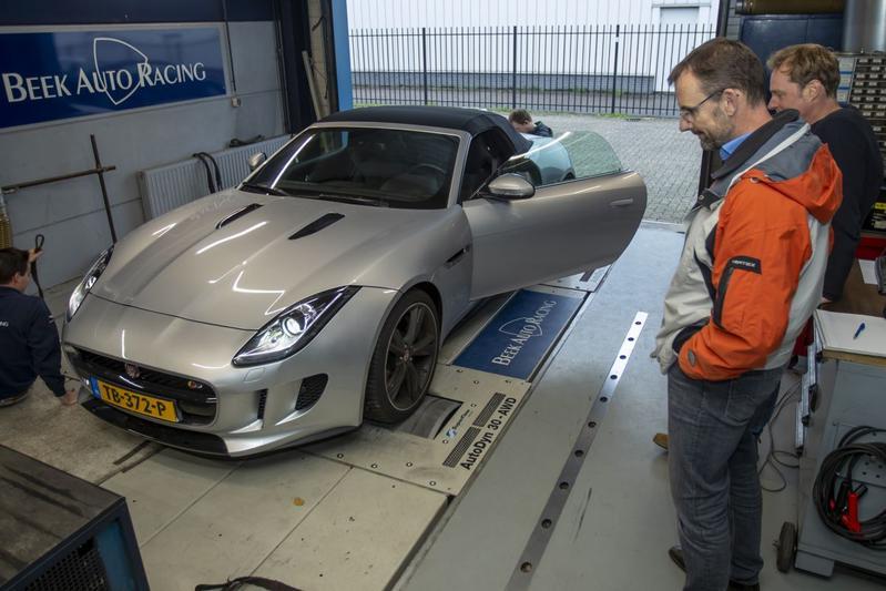 Jaguar F-Type 5.0 V8 S Convertible - Op de Rollenbank