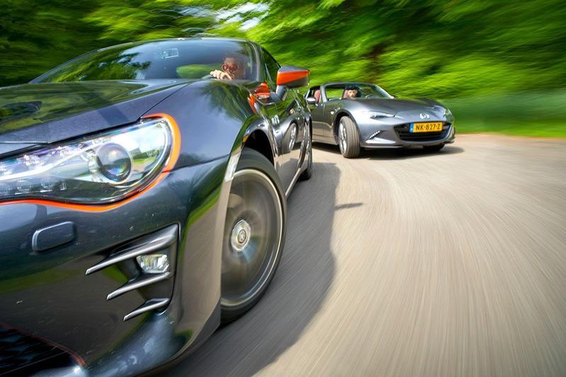 Toyota GT86 vs Mazda MX-5 RF - Dubbeltest