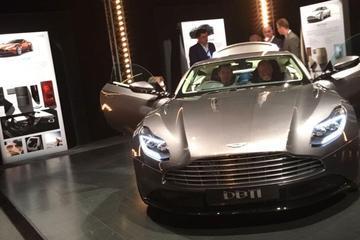 Aston Martin DB11 toont front