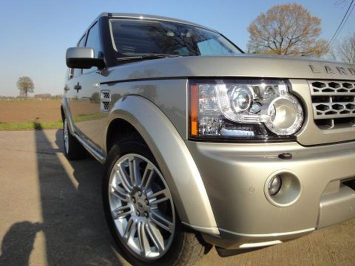 Land Rover Discovery TDV6 3.0 HSE (2010)