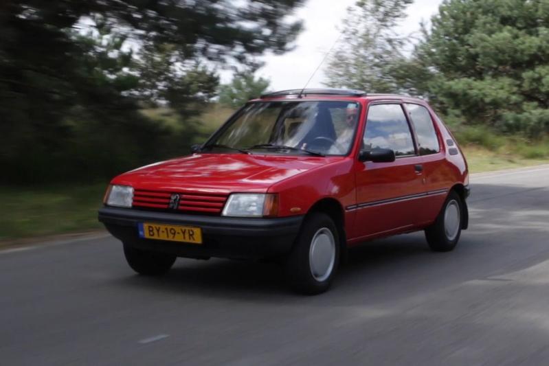 Klokje Rond - Peugeot 205 1.8 D