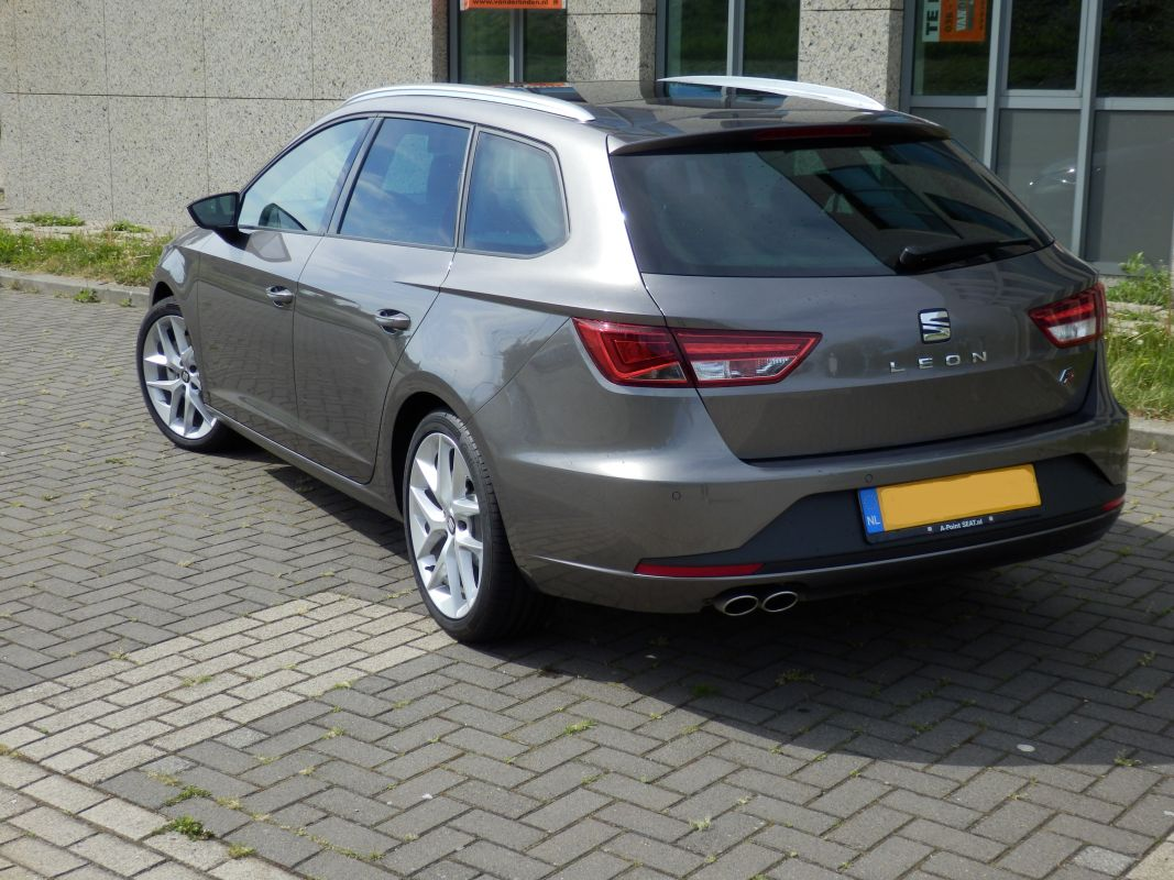 seat leon st 1 4 tsi act 150pk fr dynamic 2015. Black Bedroom Furniture Sets. Home Design Ideas