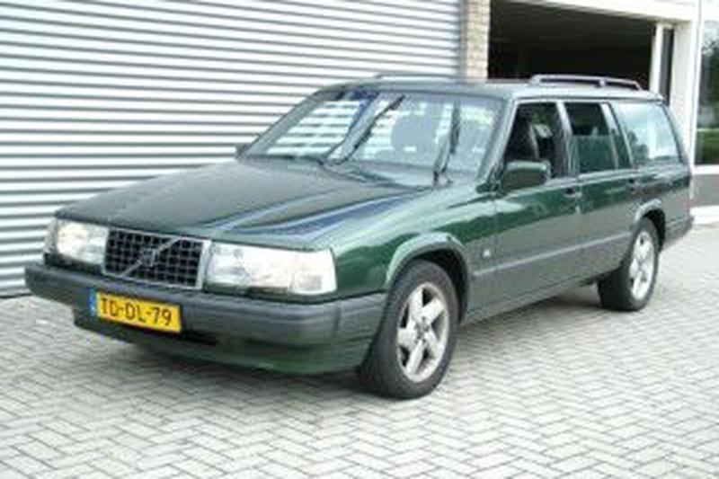 Volvo 940 Estate Polar 2.3 Limited Edition (1998)