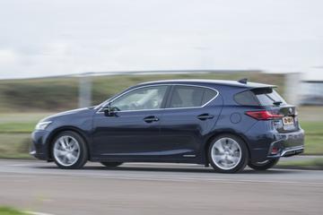 'Lexus komt met model onder UX'