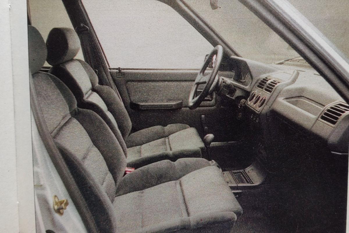 Opel Corsa vs. Peugeot 205 - 1991