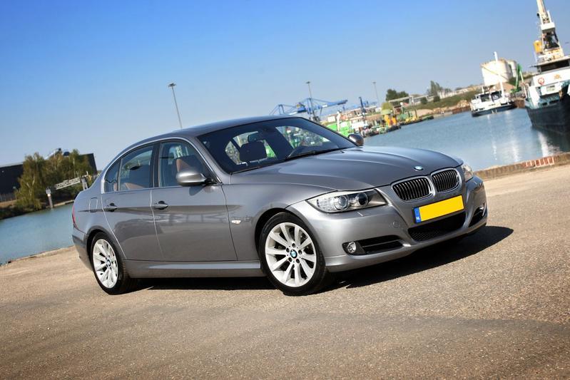 BMW 325d (2009)