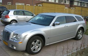 Chrysler 300C Touring 3.5 V6 AWD (2006)