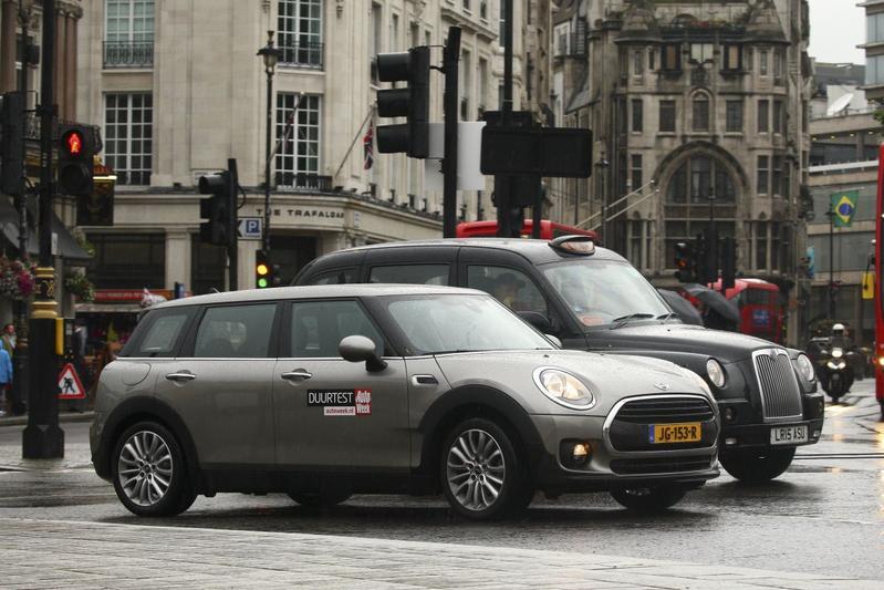 Londen trekt vergunning taxibedrijf Uber in