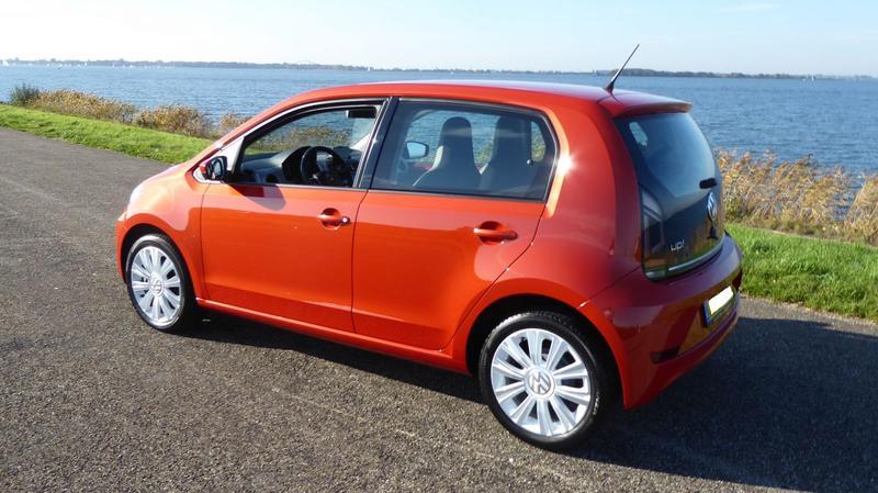 Volkswagen Up 1.0 60pk high up! (2017)