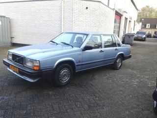 Volvo 740 GL 2.3 (1989)