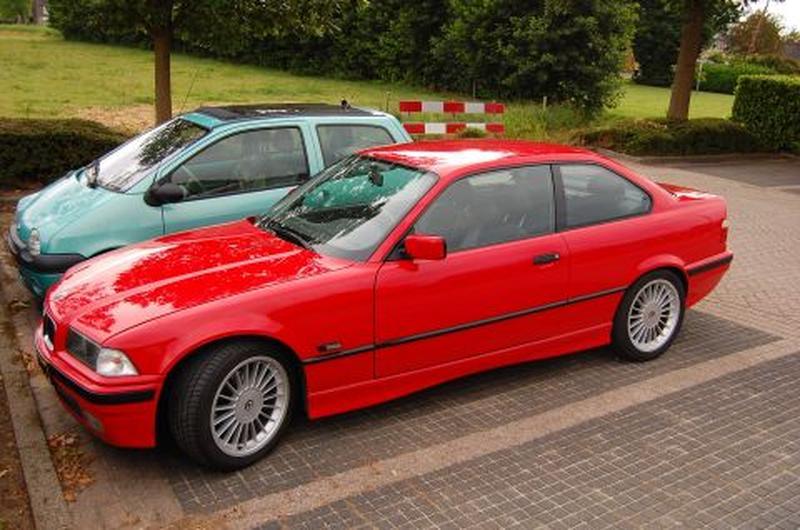 BMW 328i Coupé Executive (1996) #2