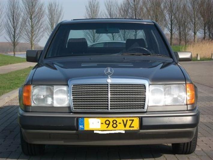 Mercedes-Benz 230 E (1991) #3