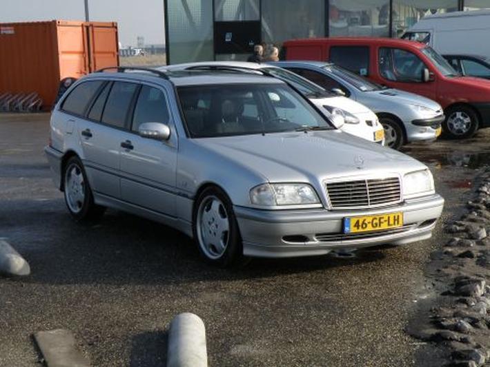 Mercedes-Benz C 200 Kompressor Classic Combi (2000)
