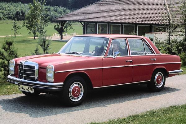 Mercedes-Benz W114/115 ziet Abraham