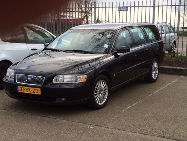 Volvo V70 2.4 140pk Momentum (2005)