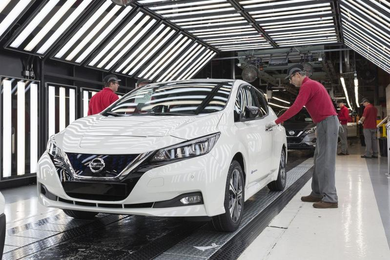 Nissan Leaf fabriek mensen EV Japan Engeland