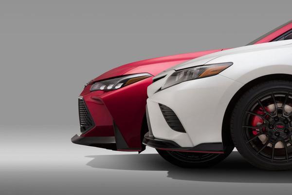 Toyota Camry en Avalon krijgen TRD-smaken