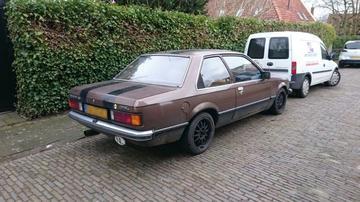 In het wild: Opel Rekord E (1980)