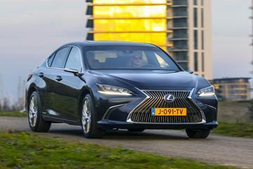 Test: Lexus ES 300h