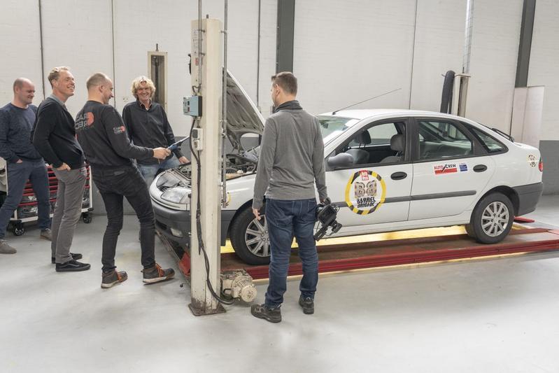 Barrelbrigade 2020 Renault Laguna