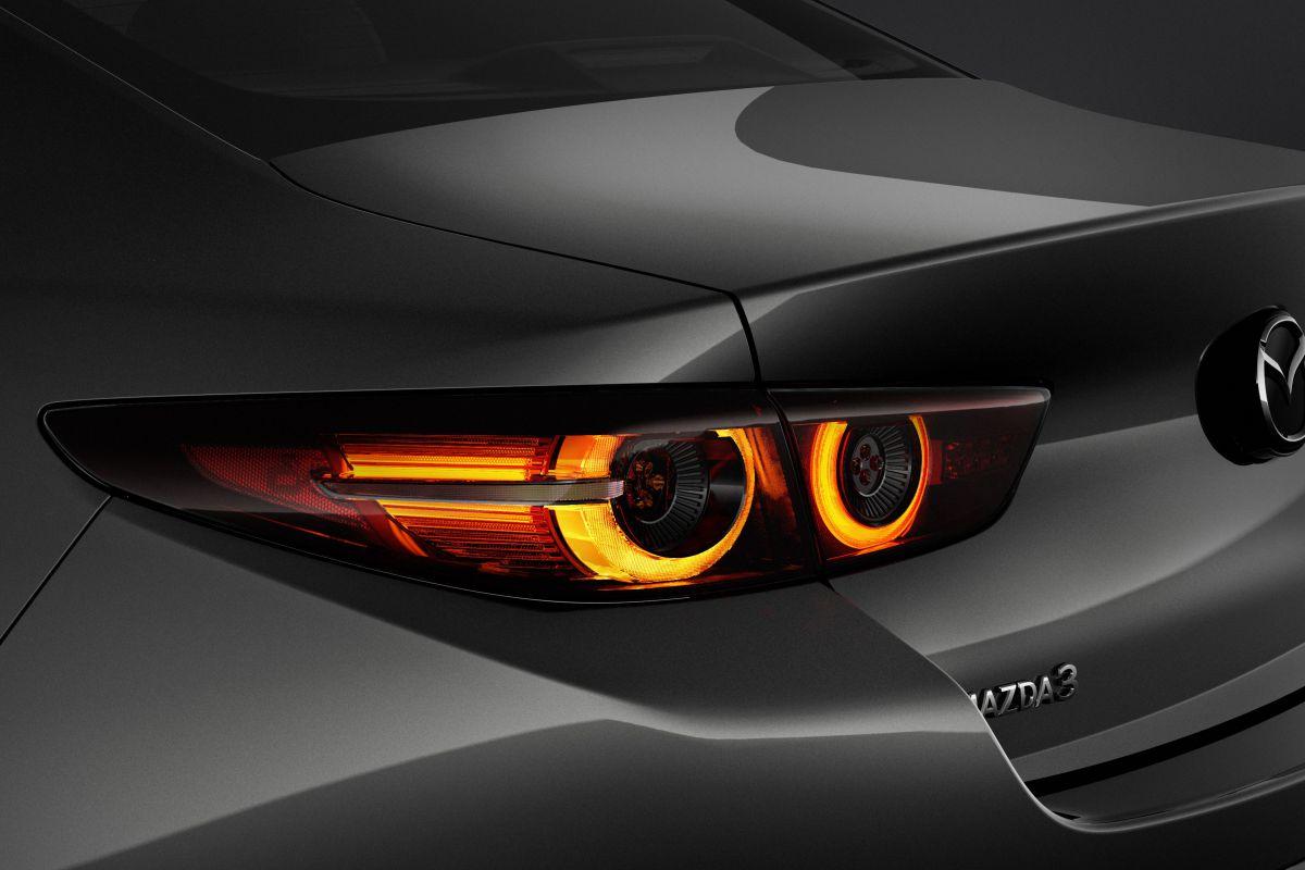 Mazda Jo Stenuit