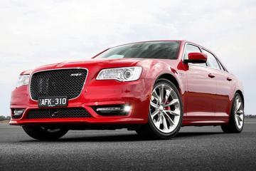 Ook Chrysler 300C SRT met nieuw front