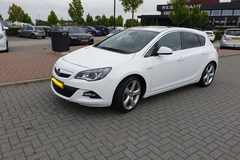 Opel Astra 1.4 Turbo 140pk GT (2012)
