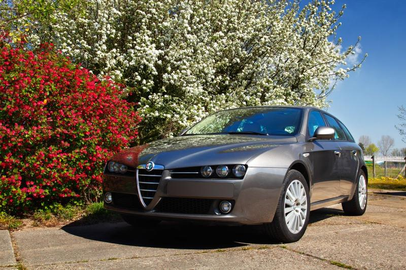 Alfa Romeo 159 Sportwagon 2.2 JTS Distinctive (2006)