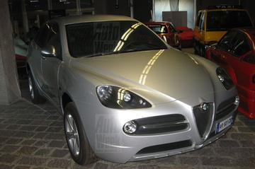 Terugblik: 'Productieversie Alfa Romeo Kamal gespot'