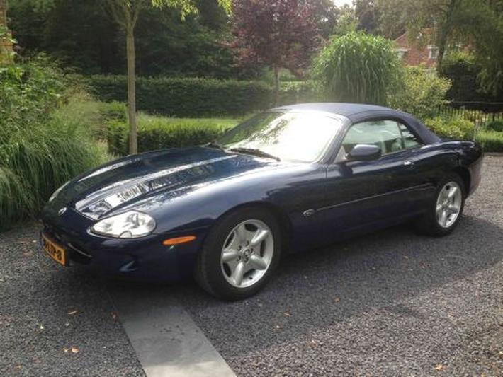 Jaguar XK8 Convertible (1999)