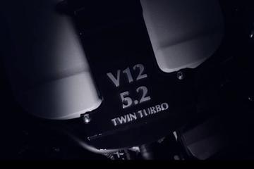 Aston Martin warmt nieuwe V12 op