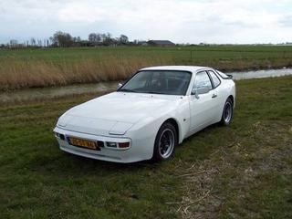 Porsche 944 (1984)
