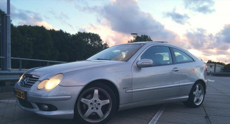 Top Mercedes-Benz C 230 Kompressor Sports Coupé (2001) review #NV_63