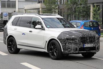 Gefacelifte BMW X7 opnieuw in beeld