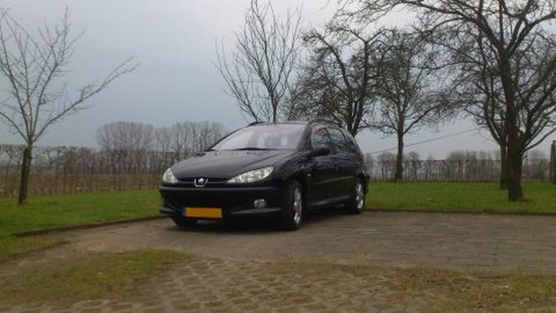 Peugeot 206 SW XS 2.0 HDI (2003)