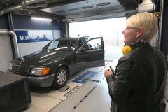 Mercedes-Benz 500 SEL - Op de Rollenbank