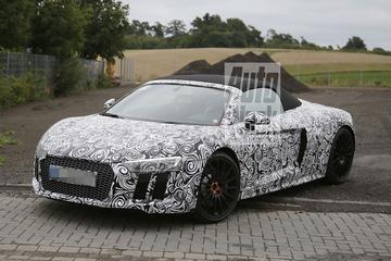 Audi R8 Spyder laat haren wapperen